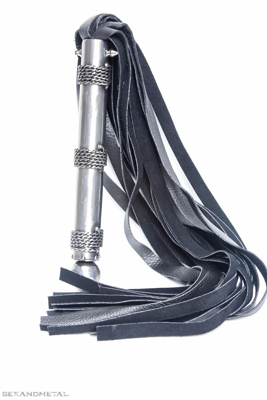 the bestia leather flogger stand-up view