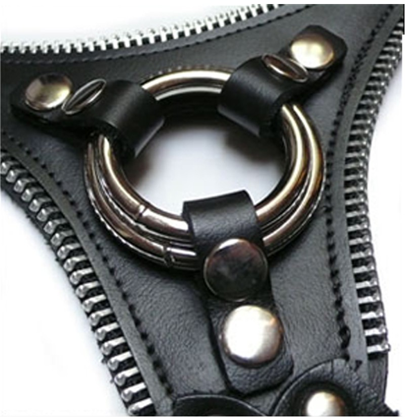 le butch strap on harness product shot and O-ring detail