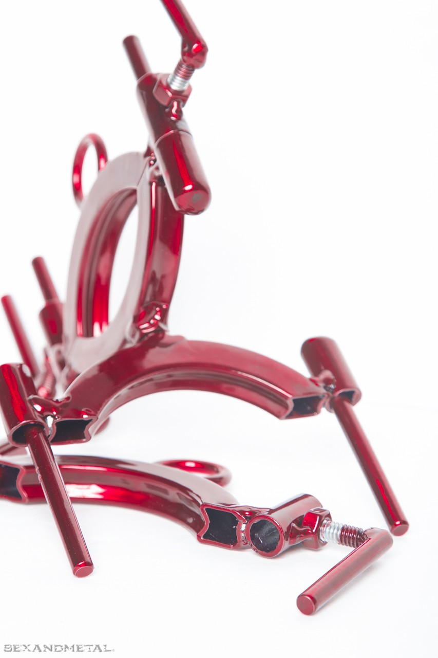 Solid steel wrist cuffs. The wrist traps