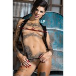 bonnie rotten wearing sex and metal nipple traps