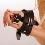 Rapture Leather Wrist to Thumb Strap